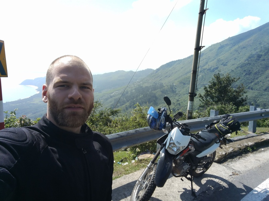 Hai Van Pass Selfie